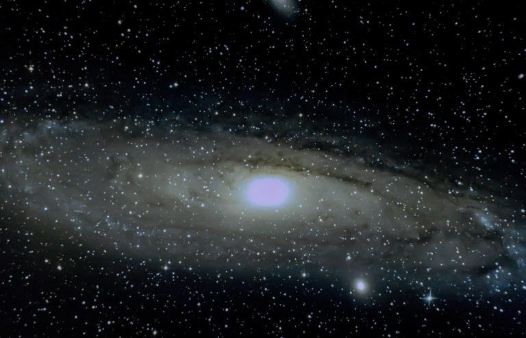 La Galaxie d'Andromède corrections par Francis D.